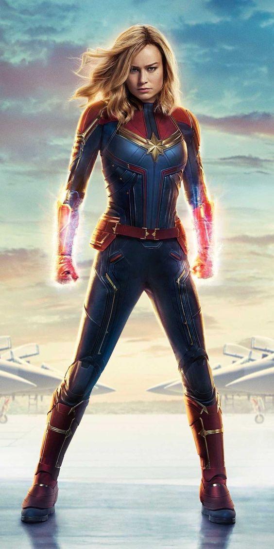Carol Denvers Captain Marvel Pose Wallpaper